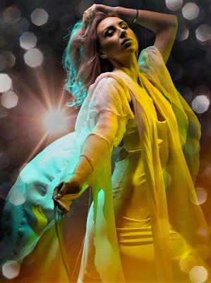 Dancing with the light di renato_alberio