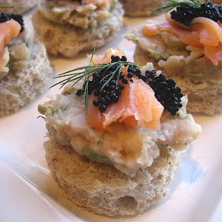Smoked Salmon & Caviar on White Bean Spread.