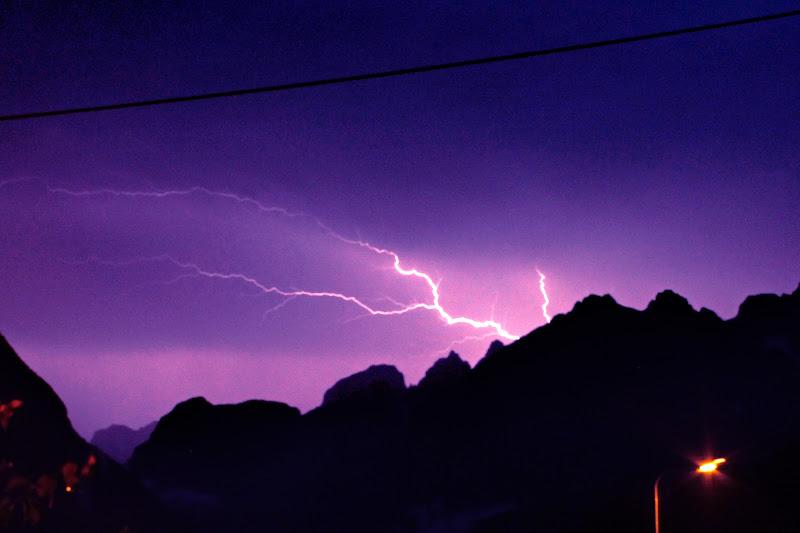 Un fulmine a ciel...nuvoloso :D di Isikku