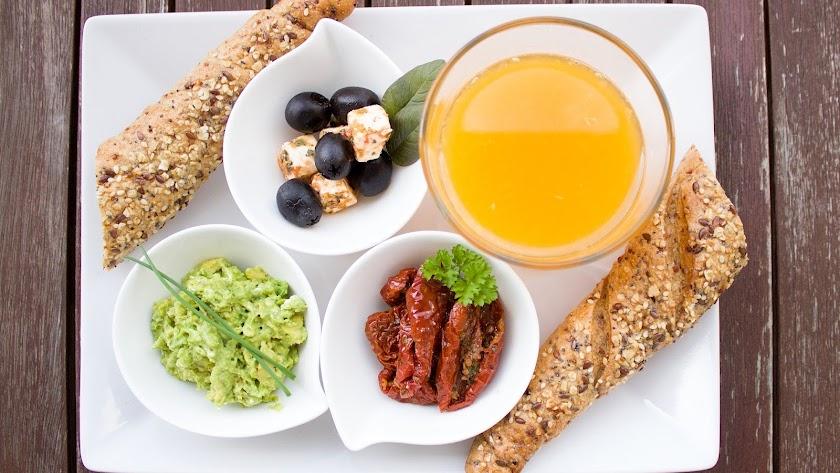 Los desayunos en los bufés libres son la comida en la que más excesos cometemos
