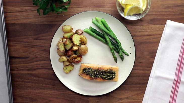 5-Ingredient Pesto Salmon