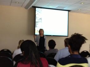 Photo: Nancy Leve discussing how to create a professional website