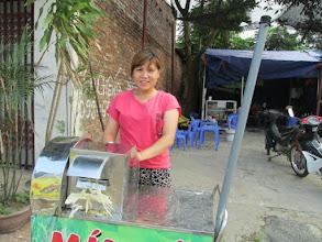 """Photo: """"Ms.Nguyễn Thị Hường 1. Số hiệu(ID member): 15052075 2. Tuổi(Age): 23 3. Địa chỉ(Address): Cụm 30 - Thôn Liên Bình - TT Hợp Hòa,Tam Duong District, Vinh Phuc province, Vietnam. 4. Thông tin gia đình(Household's information): Gia đình TV có 05 khẩu, 04 lao động chính, 02 vợ chồng rửa xe, vay vốn bán thêm hàng nước (Member's family has 05 people, 04 main labors, she and her husband wash vehicles (service), borrowed capital is for running a drink kiosk) 5. Ngày vay(Date of loan): 21-05-2015 6. Mức vay(Loan size): 8.000.000đ 7. Mục đích vay(Loan purpose): small trade"""""""