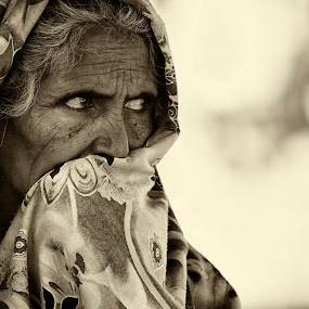 Stare by Israr Shah - People Street & Candids ( woman stare, woman, candid, woman candid, old woman )
