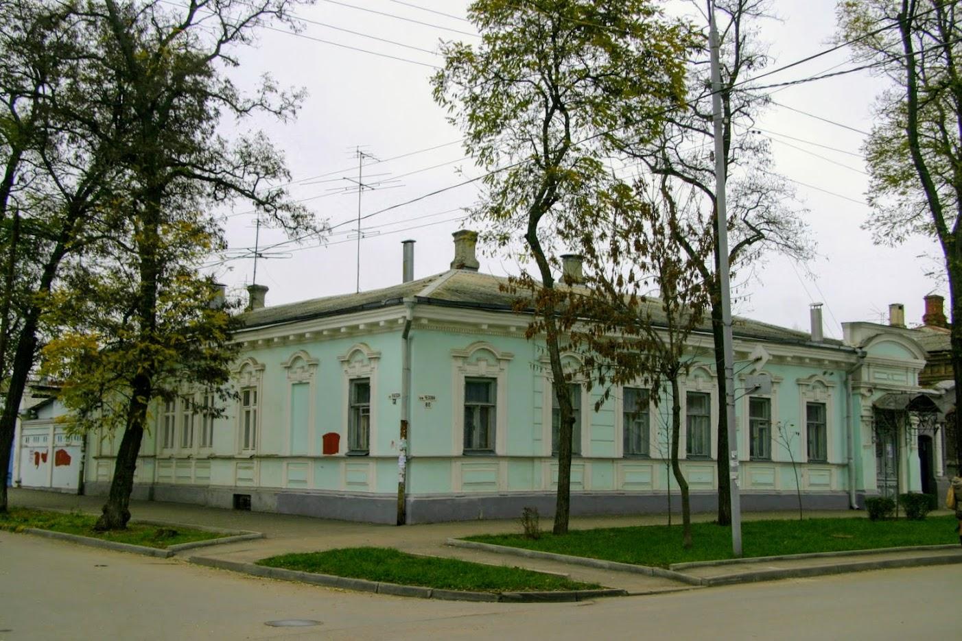 https://sites.google.com/site/istoriceskijtaganrog/cehova-ulica/dom-88