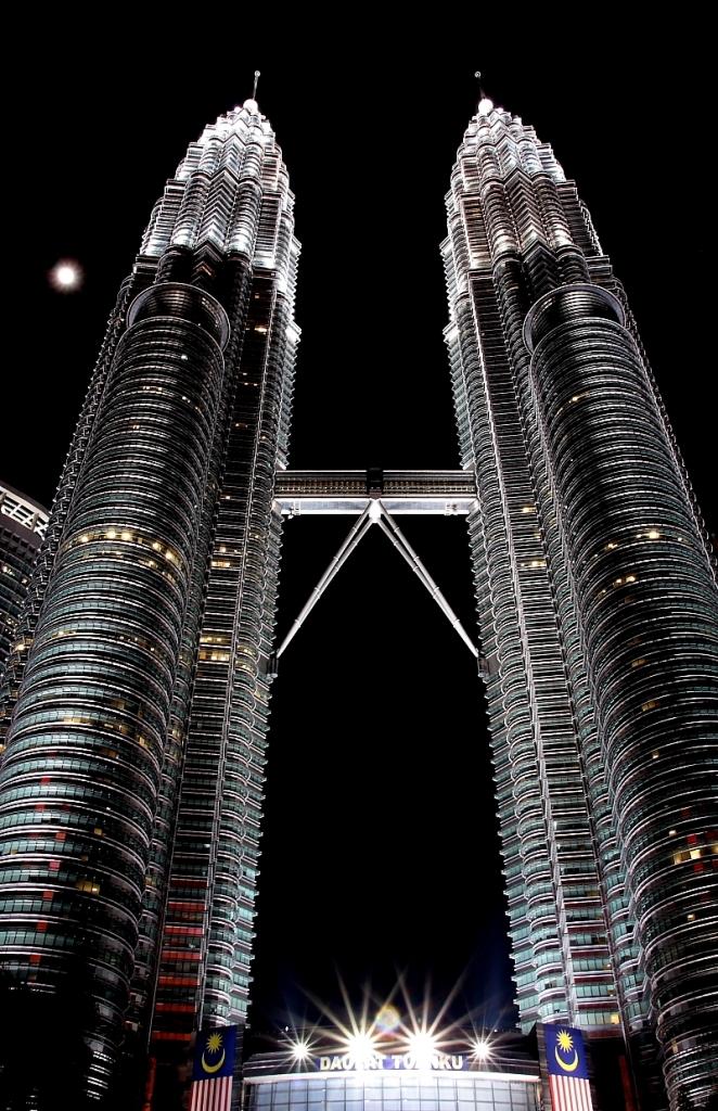 Petronas Towers di daviderm