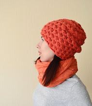 Photo: женская вязаная шапочка Зернышки коралл