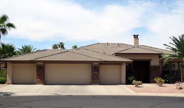 Photo: A 4 car garage in Coventry Tempe.