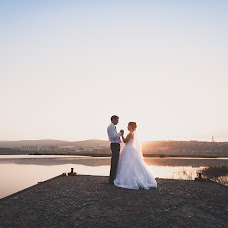 Wedding photographer Vladimir Kamenskikh (zltWizard). Photo of 18.02.2014