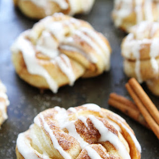 Easy Cinnamon Roll Knots