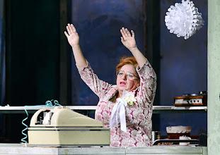 Photo: WIEN/ BURGTHEATER: DER REVISOR von Nikolaj Gogol. Premiere am 4.9.2015. Inszenierung: Alvis Hermanis. Maria Happel. Copyright: Barbara Zeininger