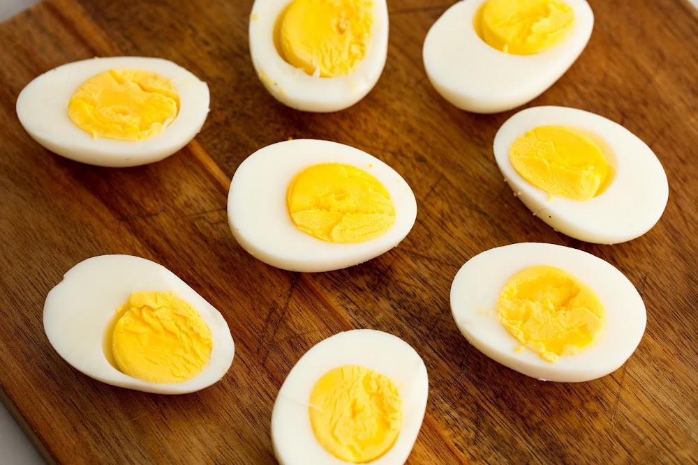 energy-food-and-drink-without-caffeine_eggs