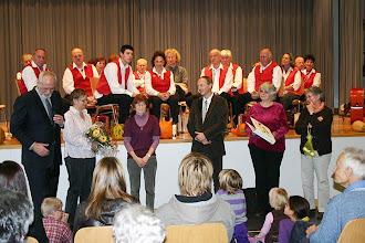 Photo: Ehrung für Frau Ruth Dürrenberger für 30 Jahre Sonntagsschullehrerin in Niederdorf.( dritte von links )