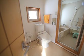 Photo: 2階 洗面・トイレ・内風呂 2层 洗手池 厕所 浴室 2F sink, toilet, bath