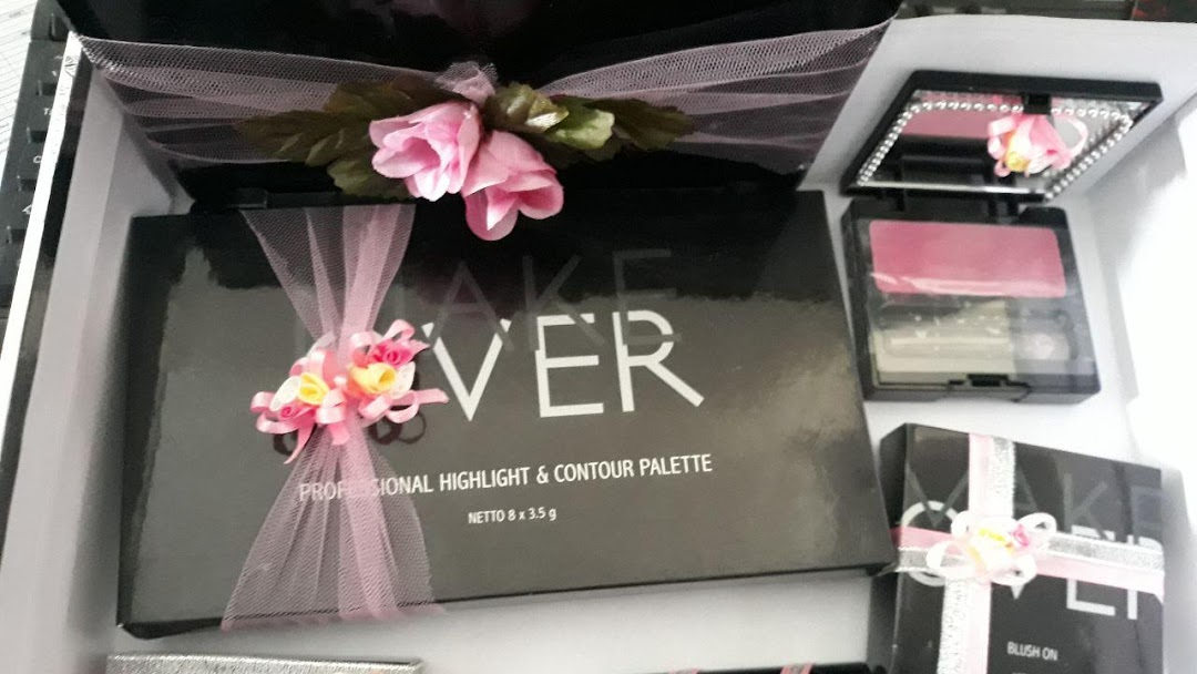 Paket Seserahan Make Up Makeover Wardah Parcel Lamaran
