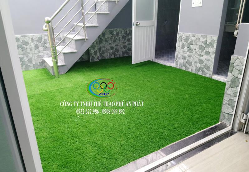lựa chọn trang trí dùng thảm cỏ nhựa mang theo sự độc lạ