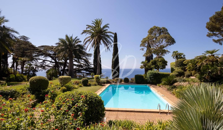 Appartement contemporain avec terrasse et piscine Hyeres