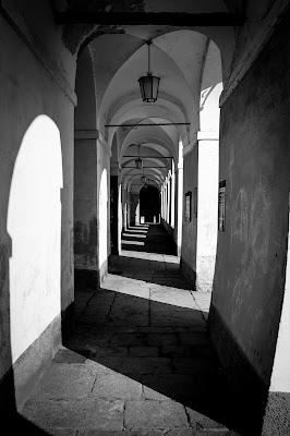 Un porticato del Santuario di Oropa di versil