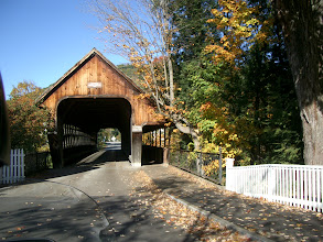 Photo: Woodstock covered bridge Vermont, USA