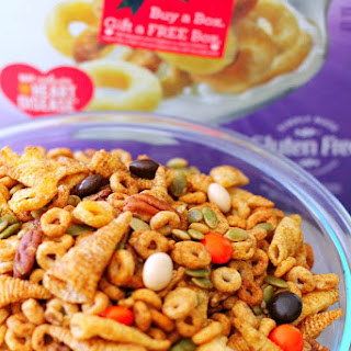 Pumpkin Spice Cheerios™ Snack Mix.