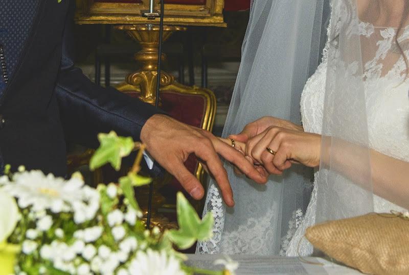 L'anello nuziale .. non vuole entrare!! di Rodema