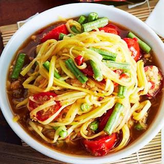 Thai Papaya Salad (tom Sum)