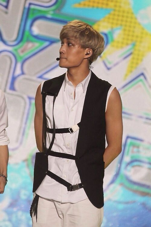 10 Gorgeous Naturally Tanned K Pop Idols Who Said A Big F