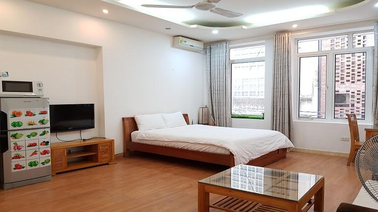 Cheap studio apartment near Truc Bach lake for rent