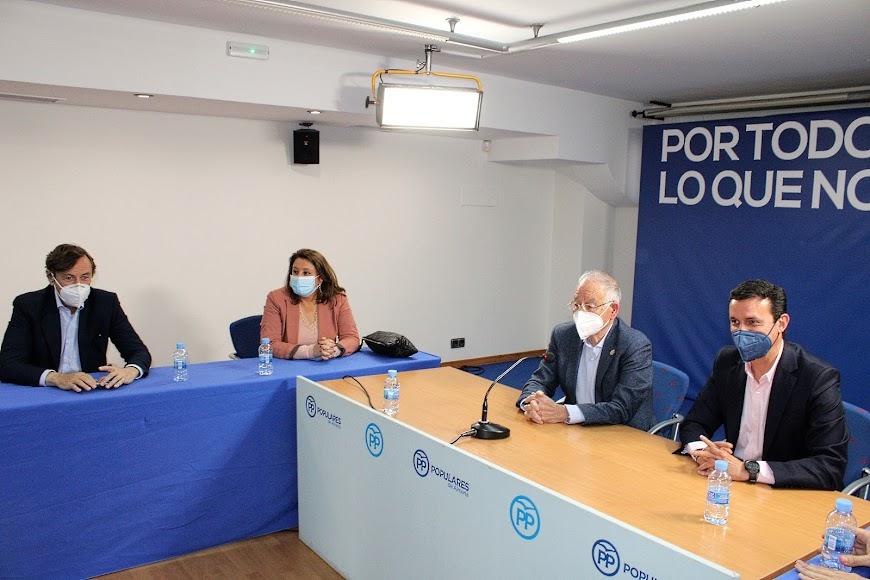 Rafael Hernando, Carmen Crespo, Gabriel Amat y Javier Aureliano García.