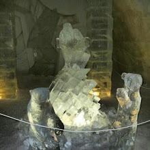 Photo: Artistas de renombre exponen sus esculturas en el #hotel de #hielo