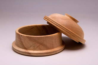 "Photo: Gary Nickerson 5 1/2"" x 4 3/4"" lidded box [maple]"