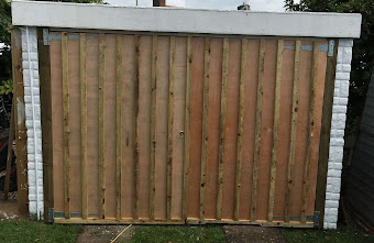Wooden Fencing & Gate
