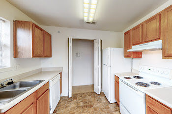 Go to One Bedroom B Classic Floorplan page.