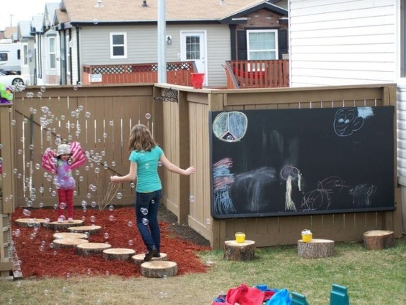 Outdoor Play Area Designs that will Keep your Kids Entertained all summer 4