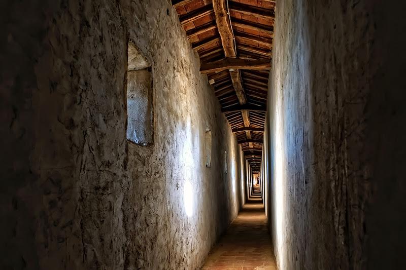 Dal Palazzo alla Rocca, in segreto. di FrancescoPaolo