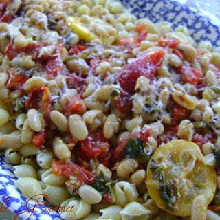 Fresh Tomatoes With Beans and Macaroni