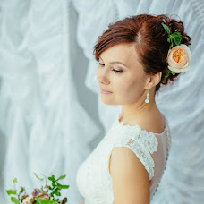 Wedding photographer Kseniya Popova (Ksenyia). Photo of 10.08.2016