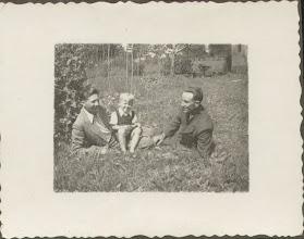 Photo: Kazimierz Kordal i Michał Dąbrowski (s. Karola i Izabeli z.d. Rauth). Chłopiec w środku to Henryk Dąbrowski: syn Michała Dąbrowskiego i Stefanii z.d. Kryza.