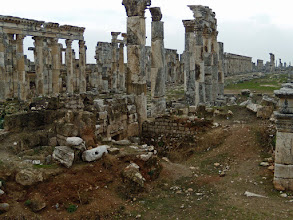 Photo: Apamea, the Cardo Maximus, 2 km long and 37 meter wide .......... De Cardo Maximus, 2 km lang en 37 meter breed
