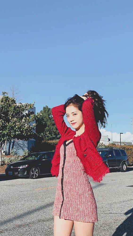 jisoo red 7