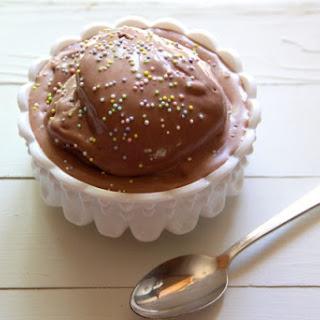 Chocolate Peanut Butter Frozen Yogurt {Soft-Serve Style}.