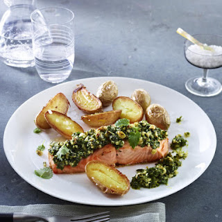 Salmon with Lemon and Parsley Pesto