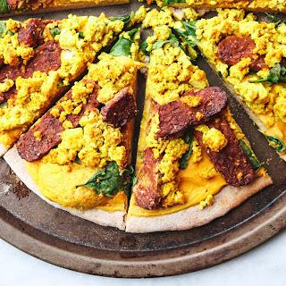 Cheezy Vegan Breakfast Pizza with Smoky Tempeh Bacon.