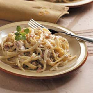 Fettuccine with Bacon-Clam Sauce