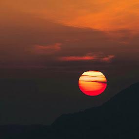 Illuminati illusioni crepuscolari by Maksim Maksim - Landscapes Sunsets & Sunrises