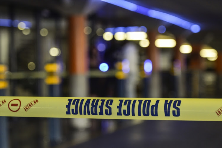 A robber was shot dead during an attack on a smallholdding in Bloemfontein on Saturday evening.