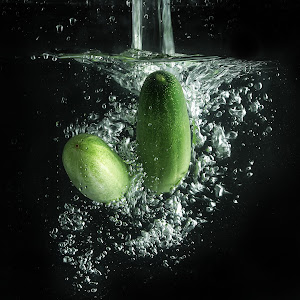 Pixoto cucumber splashing.jpg