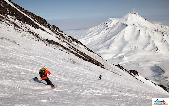 Photo: Skiers: Aljona & Katka, location: volcano Koryaksky, Kamchatka-peninsula