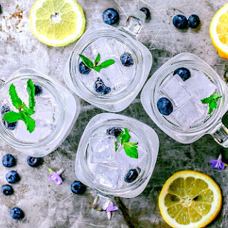 Blueberry Lemon Vodka Fizz.