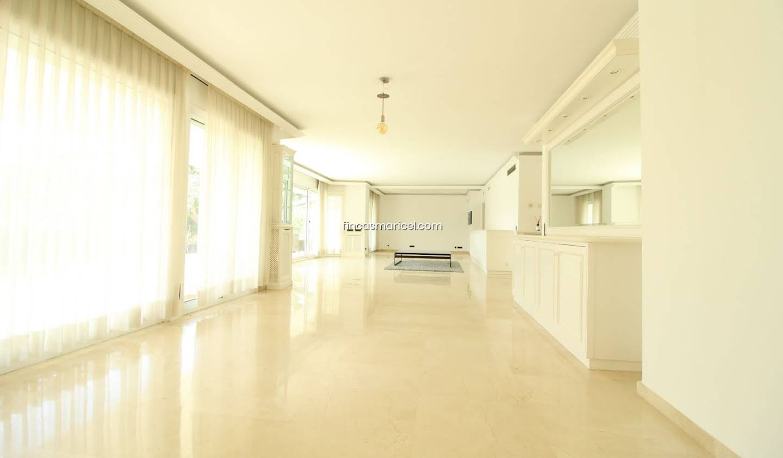 Appartement avec terrasse et piscine Castelldefels
